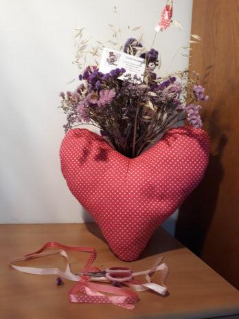 Coussin Coeur (cancer du sein) 1€ reversé à la ligue contre le cancer