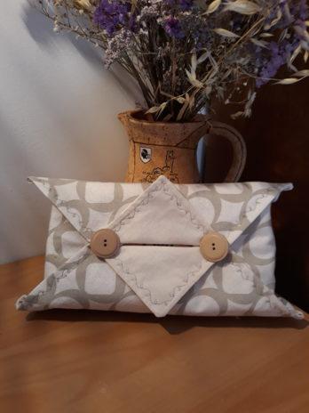 Etui origami de boite à mouchoirs