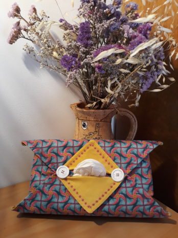 Etui origami pour boite a mouchoirs